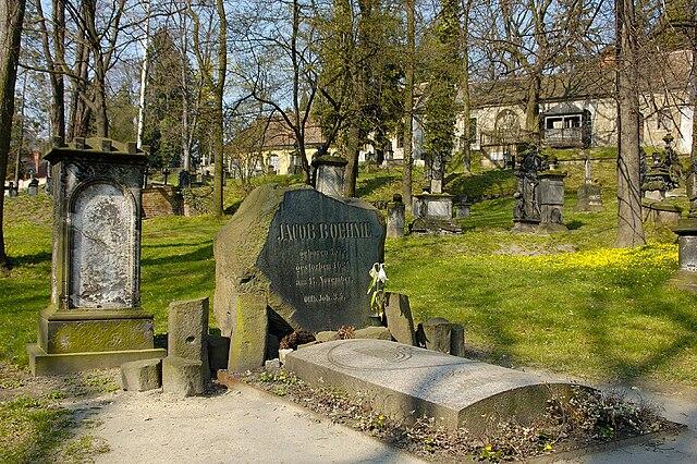 Могила Бёме на церковном кладбище в Гёрлице, Саксония
