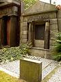 Grabmal für Hermann Gumpel auf dem Jüdischen Friedhof An der Strangriede in der Nordstadt von Hannover Handyfoto.jpg