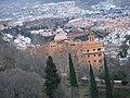Granada-Alhambra-Alcazaba-6-Torre del Cubo-Vista de Granada-Al fondo, Alhambra Palace.JPG