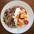 Granola, yogurt, fruit. (16696981528).jpg