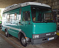 Großes grünes IVECO-Wohnmobil vr.jpg