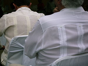 Guayabera - Two guayaberas seen from the back, showing the alforza pleats and the Western-style yoke