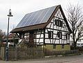 Gundelfingen, Alte Bundesstraße 45, Fachwerkhaus mit Photovoltaikanlage.jpg