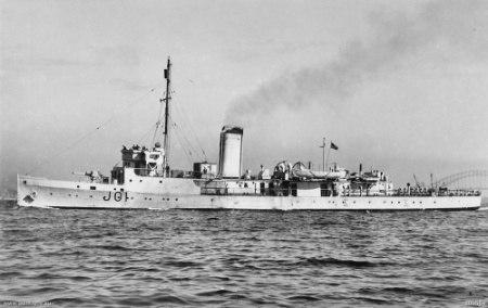 HMAS Doomba in 1942