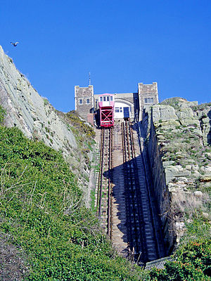 East Hill Cliff Railway - The upper station and car in 2005, before closure and replacement