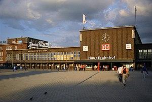 Duisburg Hauptbahnhof - Duisburg Hauptbahnhof, 2004.