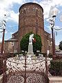 Haussy (Nord, Fr) monument au morts devant chevet église.JPG