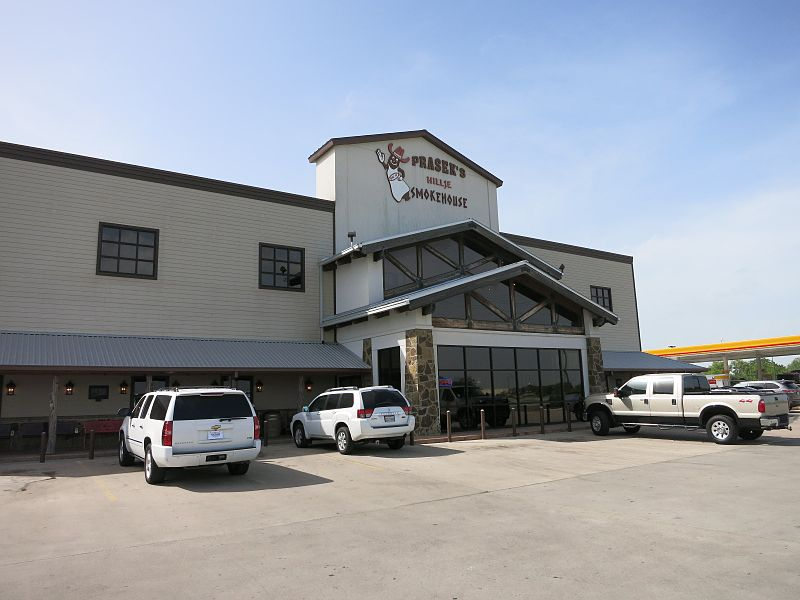 File:Hillje TX Praseks Smoke House.JPG
