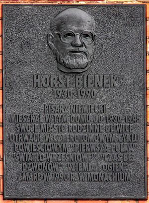 Horst Bienek - Plaque on the house in which Horst Bienek was born (in Polish)