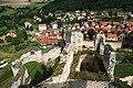 Hrad Rabí s hradním kostelem Nejsvětější Trojice, část stojící, část zřícenina a archeologické stopy (Rabí) (7).jpg