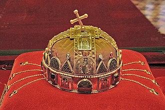 Coronation crown - Image: Hungarian Parliament 006 Flickr granada turnier