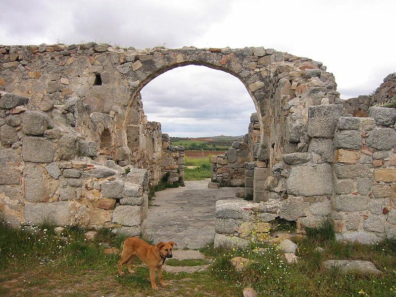 File:Iglesia Visigoda de San Pedro de la Mata(Casalgordo) 03.JPG