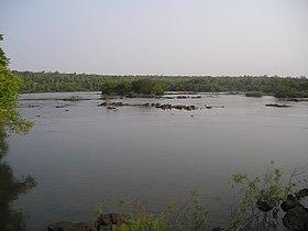 IguazuRiverBeforeGargantaDelDiablo.jpg