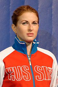Inna Deriglazova podium 2013 Fencing WCH FFS-IN t204356.jpg
