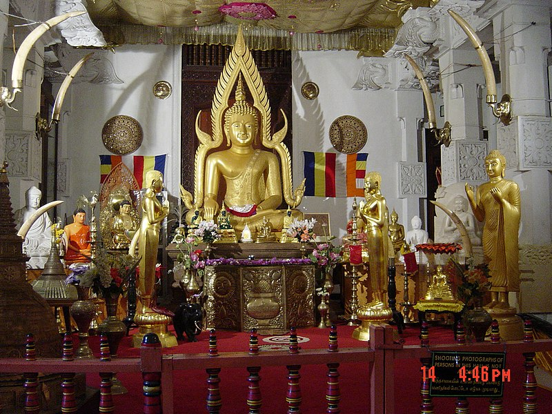 File:Inside Tooth temple.jpg