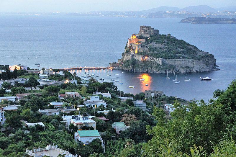 File:Ischia, Castello Aragonese, Veduta - File 055 (2).jpg