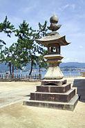 ItsukushimaLantern7371