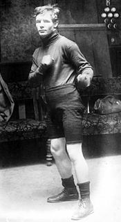 Johnny Summers (boxer)