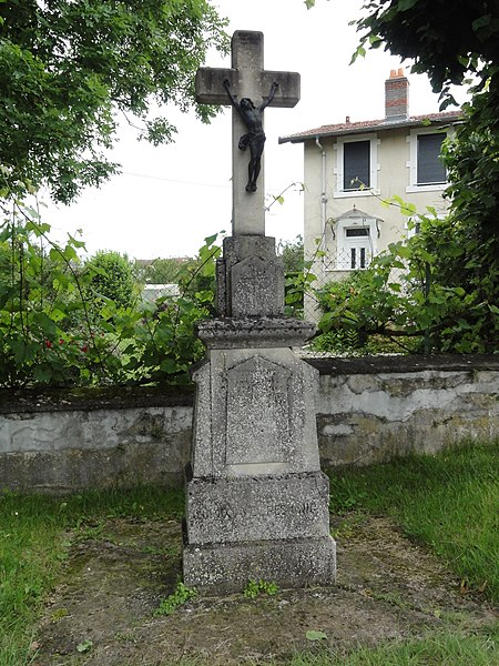Jolivet (M-et-M) croix de chemin