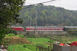 K1236 entering Wulidun Railway Station (20160324100755).jpg