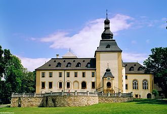 Hyacinth Graf Strachwitz - The ancestral home of the Strachwitz family, the palace in Kamień Śląski in 2006