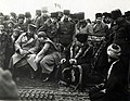 Karabekir, Latife Hanım ve Atatürk Edremit yolu üzerindeki Ergama köyünde (8 Şubat 1923).jpg