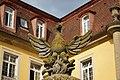 Kirchberg an der Jagst - Schloss - Ehrenhof - Phönix-Skulptur.jpg