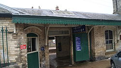 Knaresborough railway station (19th March 2013) 012.JPG