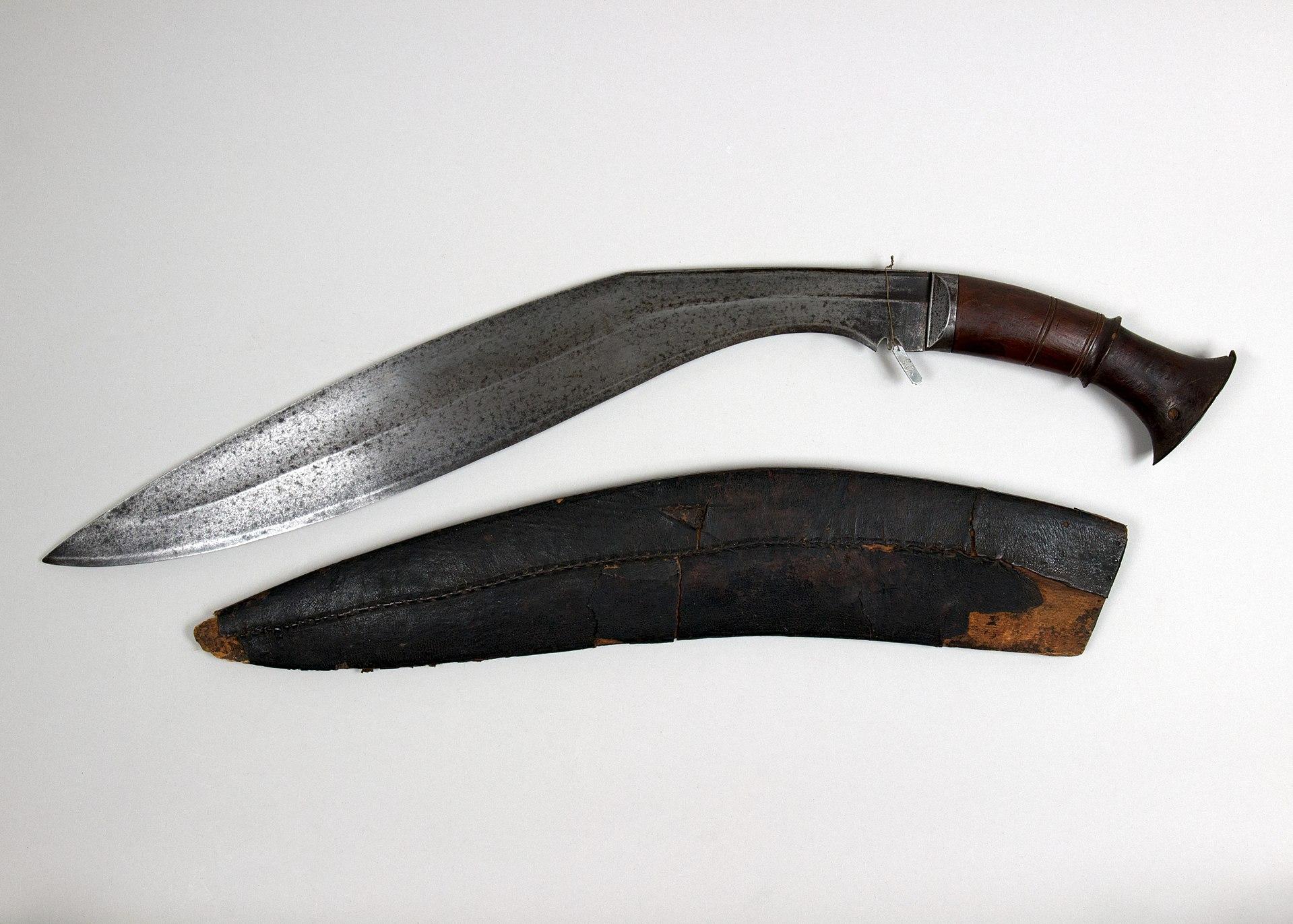 Knife (Kukri) with Sheath MET 36.25.831a b 001 Apr2017.jpg