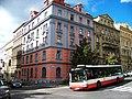 Kodaňská 17, Estonská 5, autobus.jpg