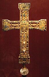 Crucifix en or incrusté de pierres précieuses