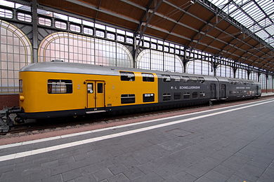 390px-LBE_Doppelstockwagen.jpg