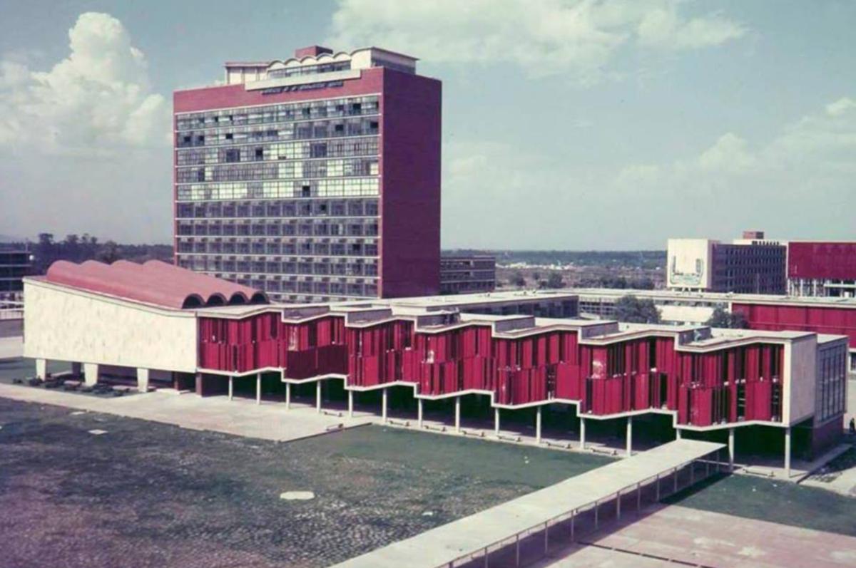 Archivo:La antigua Facultad de Ciencias en UNAM, la Ciudad de Mexico.png -  Wikipedia, la enciclopedia libre