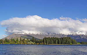 Finger lake - Lake Wakatipu and The Remarkables