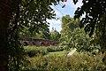 Le cloître de l'Université avec le dôme des Chartreux en arrière-plan - panoramio.jpg