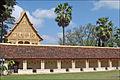 Le cloître du That Luang (Vientiane) (4345422961).jpg