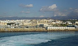 Leaving Tarifa (2219994396) (cropped).jpg