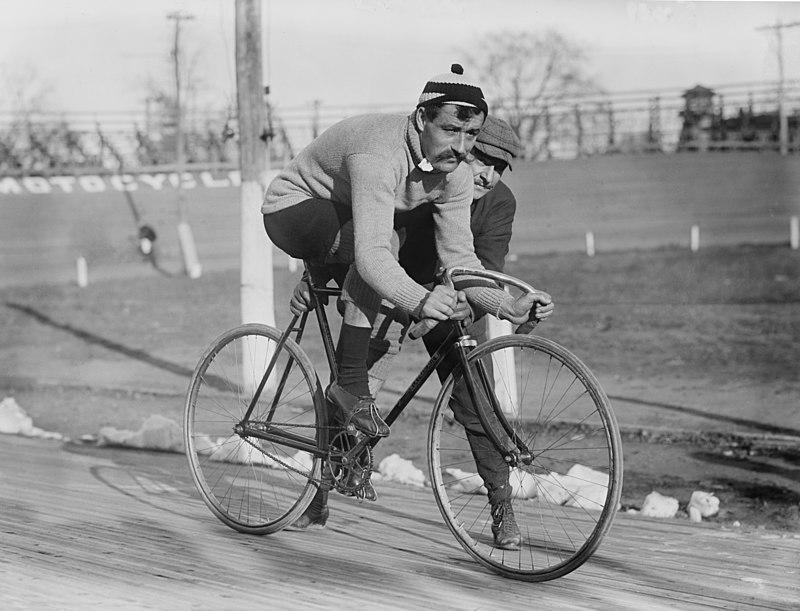 Leon Georget 1909.jpg