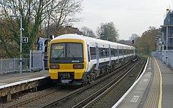 Lewisham station MMB 23 465029 465231.jpg