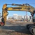 Liebherr gräbt ein Loch. - panoramio.jpg