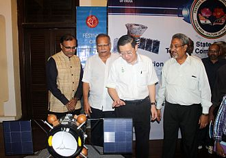 "Lim Guan Eng - Lim Guan Eng, Deputy Chief Minister Ramasamy Palanisamy and the Indian High Commissioner to Malaysia Mr. Tirumurthy with Narayan Ramdas Iyer, the Curator, on the launch of ""The Rise of Digital India"" exhibition  at Penang on 19th April 2015"