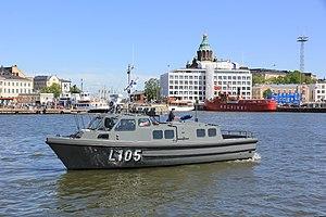 Linnakevene L105 2 lippujuhlanpäivä 2012.JPG