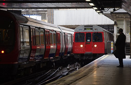 Liverpool Street station MMB 13 S-Stock C-Stock