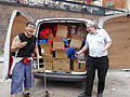 Loading the Wikimania van at WMUK 07.jpg