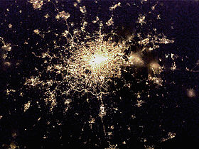 London by night vue de la Station spatiale internationale