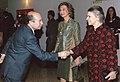 Luis Javier Gayá junto a la Reina Dña. Sofia, la Princesa Irene de Grecia, en la entrega de las Medallas de Honor del premio BMW de pintura.jpg