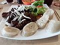 Lyon 7e - Restaurant Africana, michoui de bœuf et son accompagnement de chicouangue.jpg