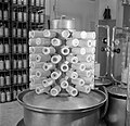Machine met de bijnaam stekelvarken om bevroren moedermelk mee te verdampen, Bestanddeelnr 254-2519.jpg