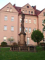 Sloup se sochou Panny Marie Bolestné