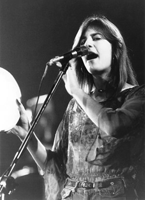 Marcella Detroit - Levy singing with Eric Clapton on tour in San Bernardino, California on August 15, 1975